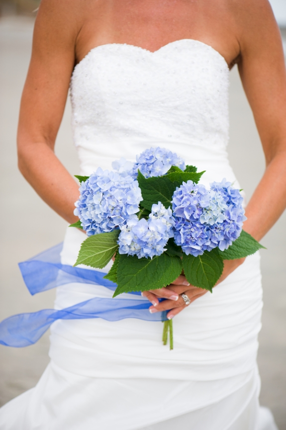 charleston-wedding-blue-hydrangae-bouquet